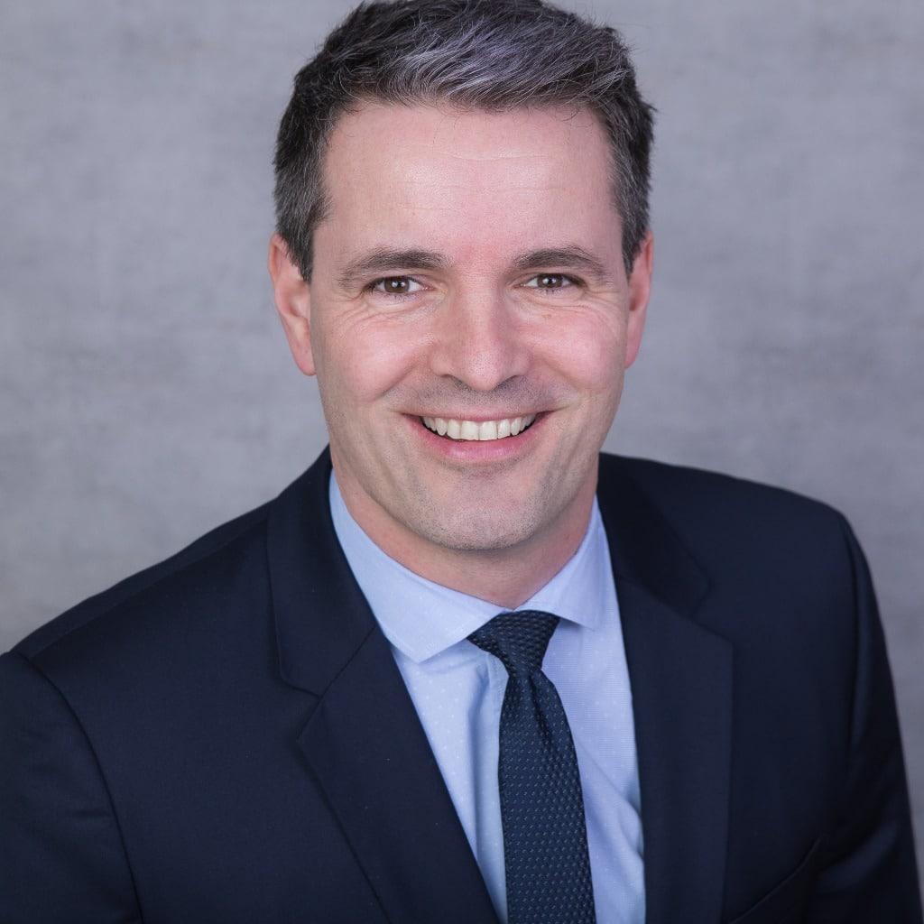 Dr. Thomas Stauch